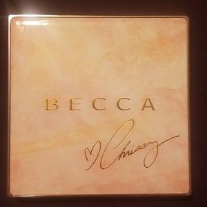 LE Becca x Chrissy Teigen Glow Face Palette